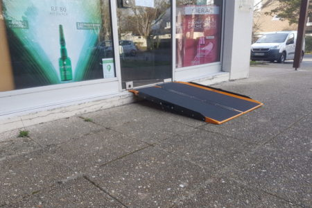 access to a pharmacy with the shop ramp