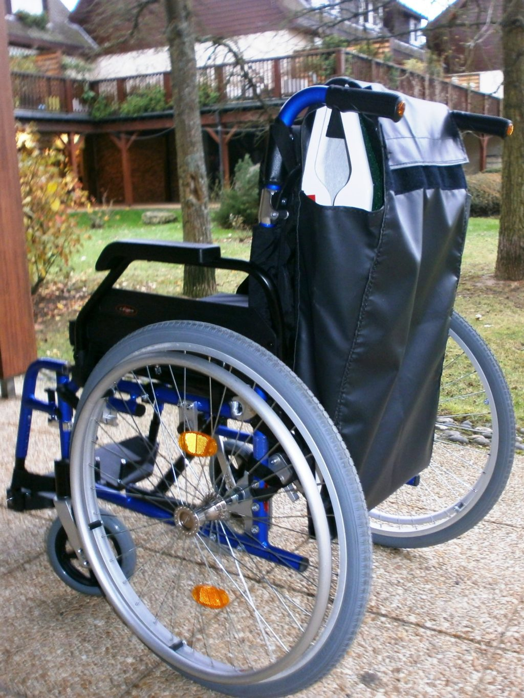 crossing a pavement with a manual wheelchair on a fibreglass travel ramp Jetmarine